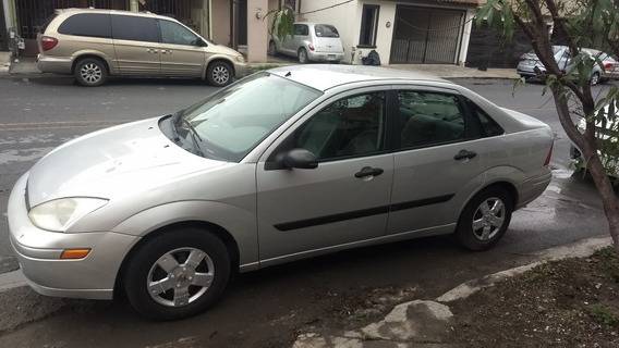 Ford Focus 2.0 Vagoneta Hatchback Mt 2002