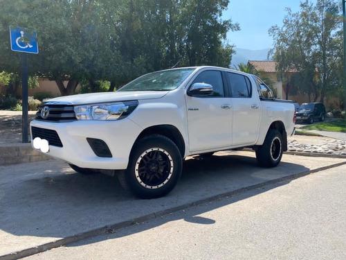 Toyota Hilux D Cab 2.4 Diesel, 4x2