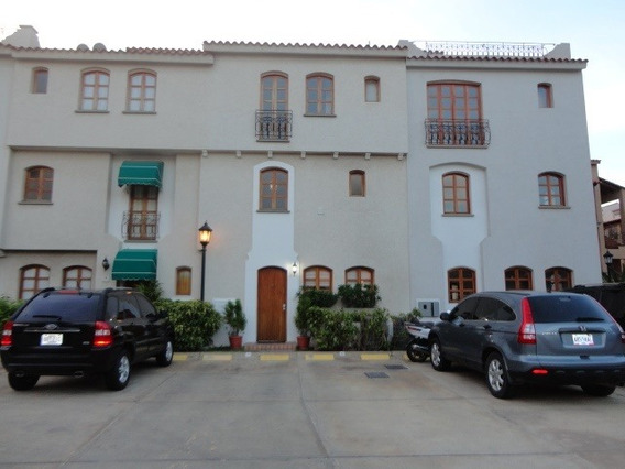 Town House En Alquiler En Pueblo Viejo