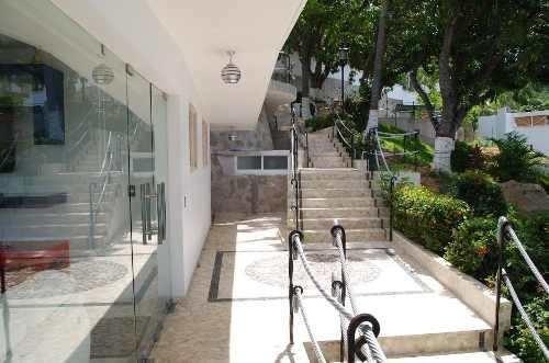 3 Villas En Venta En Lomas Del Marques, 4 Rec. 4b. 2 Picinas
