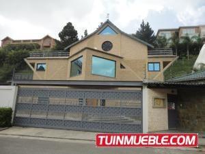 Casas En Venta Urb. Alto Hatillo. 19-4786
