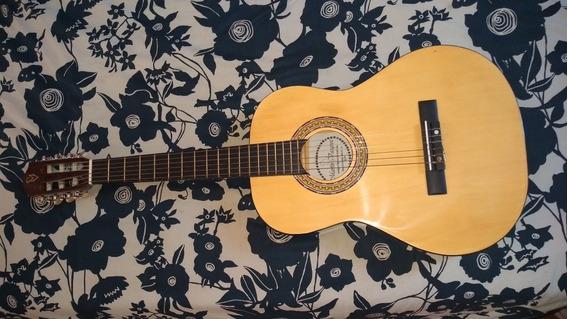 Vendo Guitarra Criolla. Excelente Estado