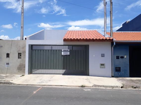 Casa Nova, Com 1 Quarto E 1 Uma Suite, Garagem Para 2 Carros