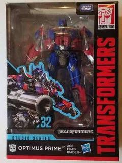 Optimus Prime Studio Series 32
