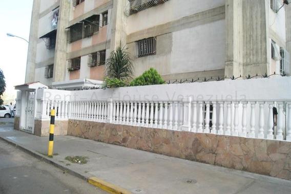 María José Fernándes 20-9343 Vende Apartamento Caricuao