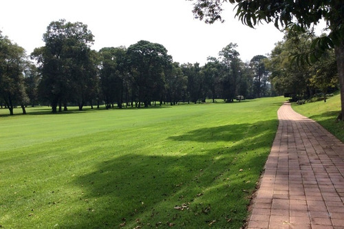 Imagen 1 de 7 de Terreno Con Frente Al Campo Del Club De Golf Avandaro