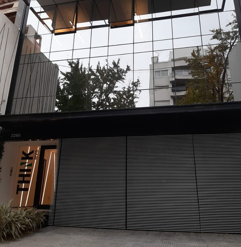 Alquilo Amplio Local Con Vidriera - Parque Rodó