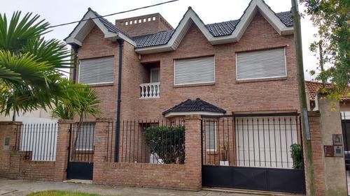 Casa Tipo Chalet 3 De Categoría.