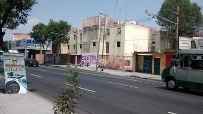 Barrio De San Tlaxingo. Iztapalapa. D. F. Departamento. Venta.