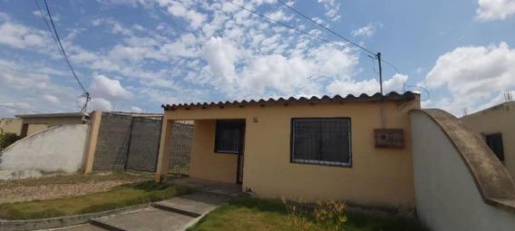 Casas En Alquiler En La Piedad Cabudare Lara 20-10489