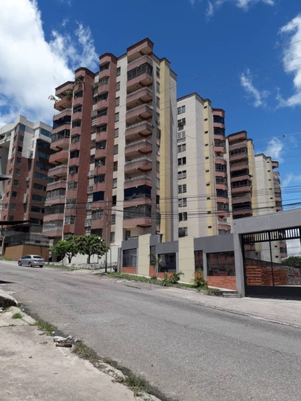Apartamento En Residencias El Bosque Torre B