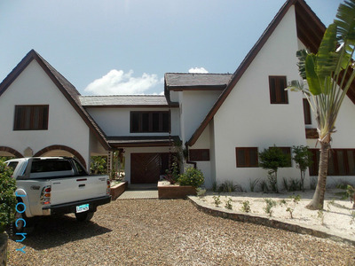 Jochy Real Estate Vende Villa En Cumayasa