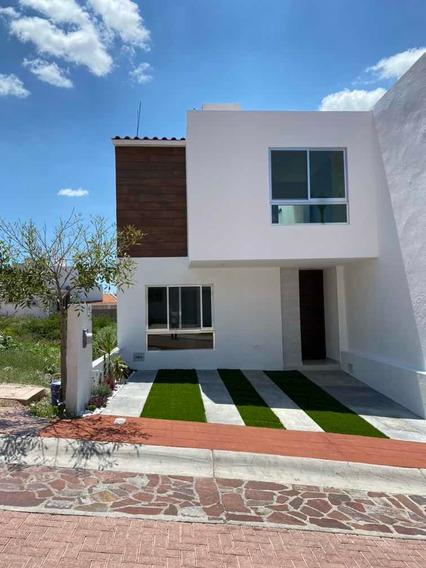 Casa Con Recámara Planta Baja