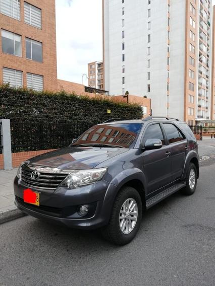 Camioneta Toyota Fortuner Urbana 2.7