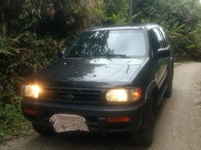 Nissan Pathfinder 3.3 V6 Se Platinum 1996