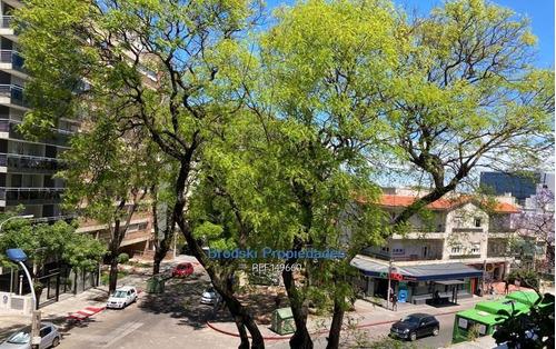 Venta Apartamento En Punta Carretas - 3 Dormitorios, Garaje