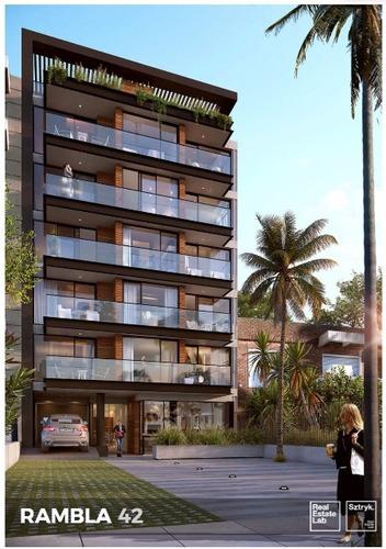 Apartamentos En Venta En La Rambla Frente Al Mar.