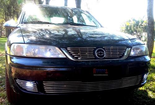 Imagem 1 de 5 de Sobre Grade Vectra 2003 2005 Aço Inox 5 Peças