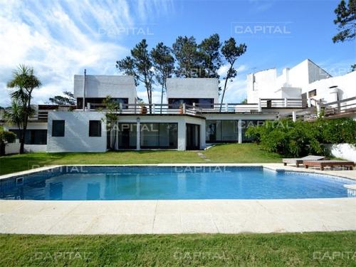 Casa En Venta Playa Mansa Punta Del Este- Ref: 25064