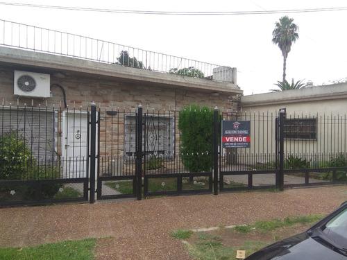 Excelente Casa En Quilmes, Apta Credito. Muy Buena