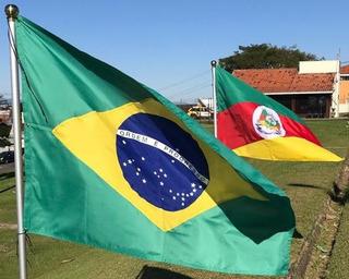 Bandeira Oficial Brasil E Rio Grande Do Sul Med.0,90m X 1,28