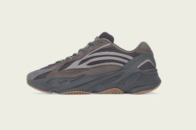 Tênis adidas Yeezy Boost 700 V2 Geode - 40 Br
