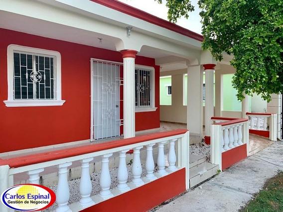 Casa Económica En Venta En Bávaro, República Dominicana