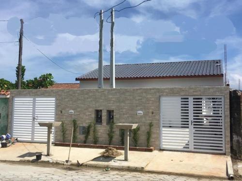 Casa Em Peruíbe Com Porcelanato - Para Financiar
