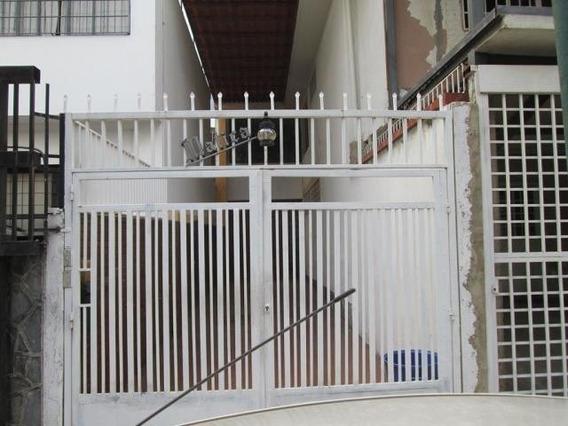 Casa, En Venta, La California Sur, Caracas, Mls 20-5833