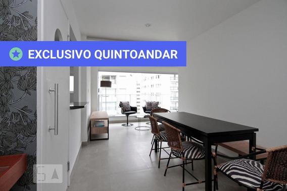 Apartamento No 10º Andar Mobiliado Com 1 Dormitório E 1 Garagem - Id: 892972802 - 272802