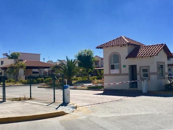 Casa En Coto Cerrado,equipada Y Amueblada, Con Servicios