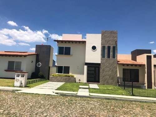 Venta Casa Dos Niveles Tequisquiapan