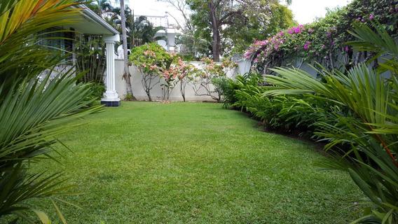Se Vende Terreno Con Casa En Altos Del Golf