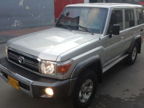 Toyota Land Cruiser Macho Gasolina 4.0 Mod 2011 Blindado