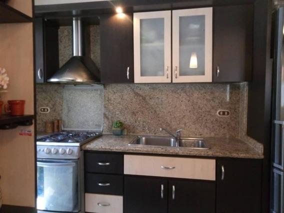 Apartamento En Venta La Trigaleña, Valencia Cod 20-10150 Ddr