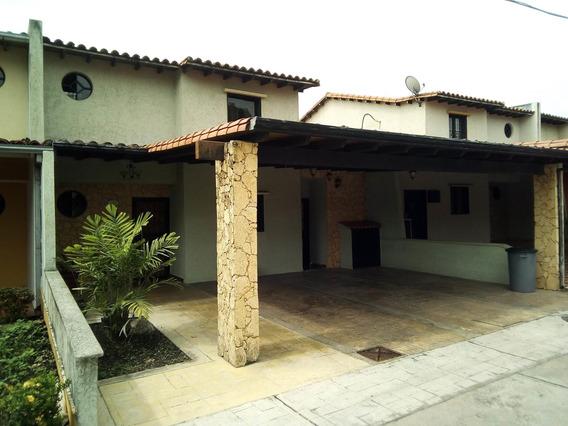 Casa En Venta Acarigua Araure 19-12588