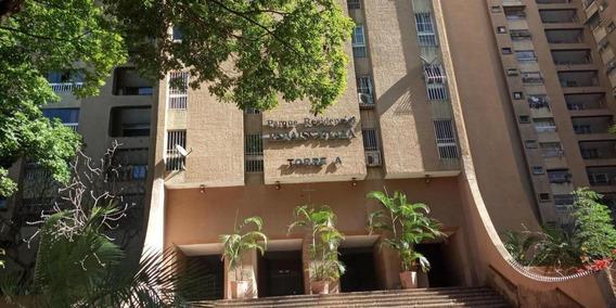 Apartamento En Alquiler Urb Paraiso Mls #20-18526 Jt