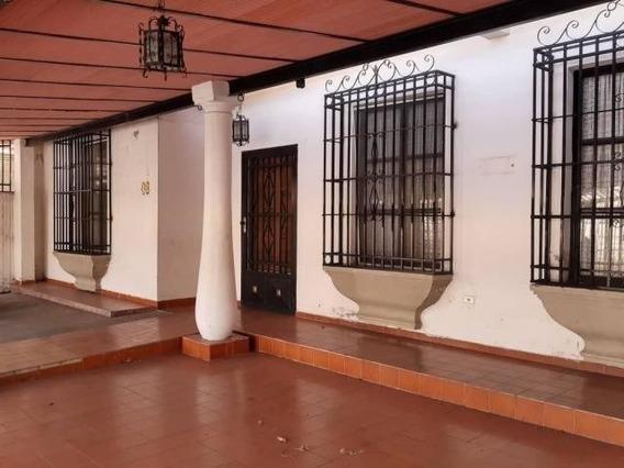 Imponente Casa Quinta Venta Andres Bello Maracay Nb20-6133
