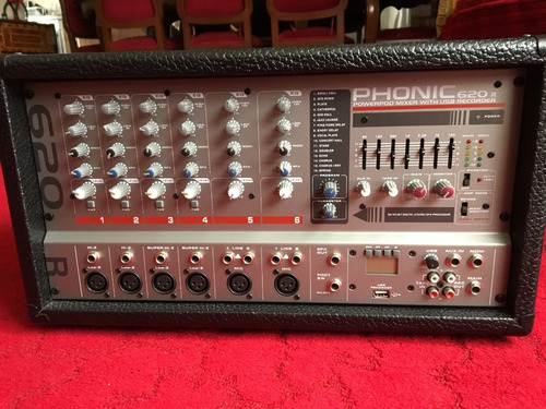 Imagen 1 de 6 de Mezcladora Amplificadora De 6 Canales Phonic 620r A 200 W