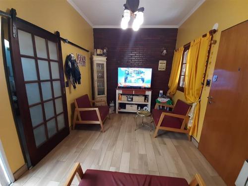 Tipo Casa 2 Dormitorios Reciclado Con Patio Y Parrilla