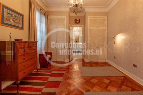 Imagen 1 de 20 de Departamento En Venta De 4 Dormitorios En Santiago