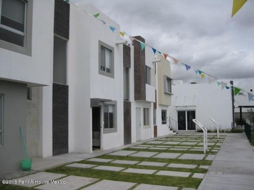 Casa En Venta En El Rosario, El Marques, Rah-mx-20-198