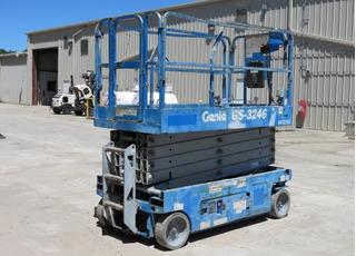 Vendo :: Elevador Plataforma Tijera Genie Gs-3246