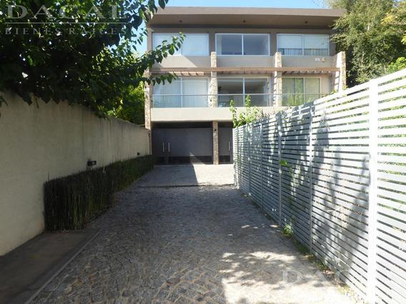 Casa En City Bell Calle 18 E/ 474 Y 476 - Dacal Bienes Raices