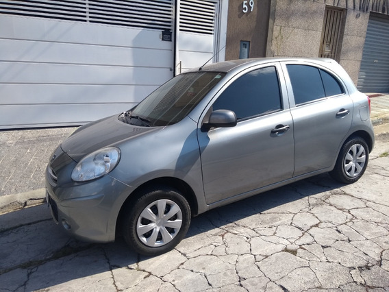Vende-se Nissan March 1.0 S Completo 2012-2013