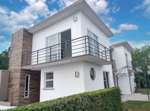 Casa En Renta En Fraccionamiento En Ahuatlan, Cuernavaca