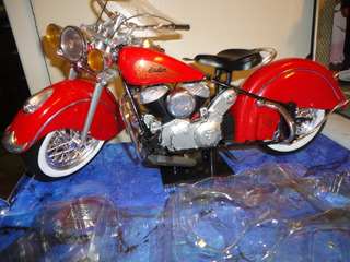 Indian 1948 Chief Die-cast Plastic 1/6 Newray. Nueva