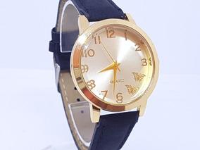 Relógio Feminino Pequeno Delicado Dourado Mk Fundo Branco