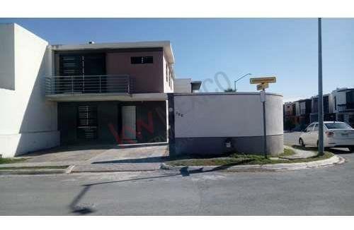 Casa En Renta Cerradas De Santa Rosa En Apodaca