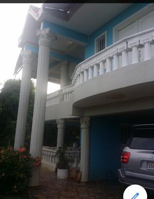 Casa De 5 Habitaciones En 5 Baños Y 3 Sal, Comedor Cocina Co